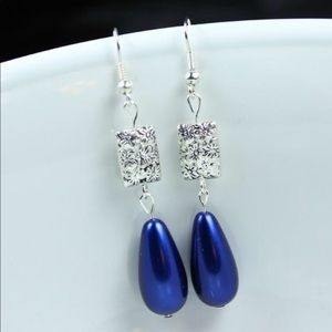 Jewelry - Dark Blue Pearl Teardrops Floral Earrings